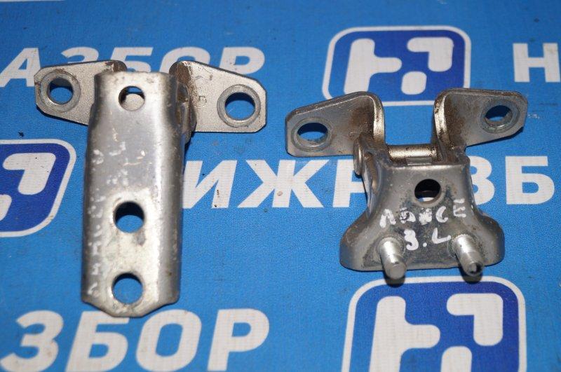 Петля двери Mitsubishi Lancer 10 задняя левая (б/у)