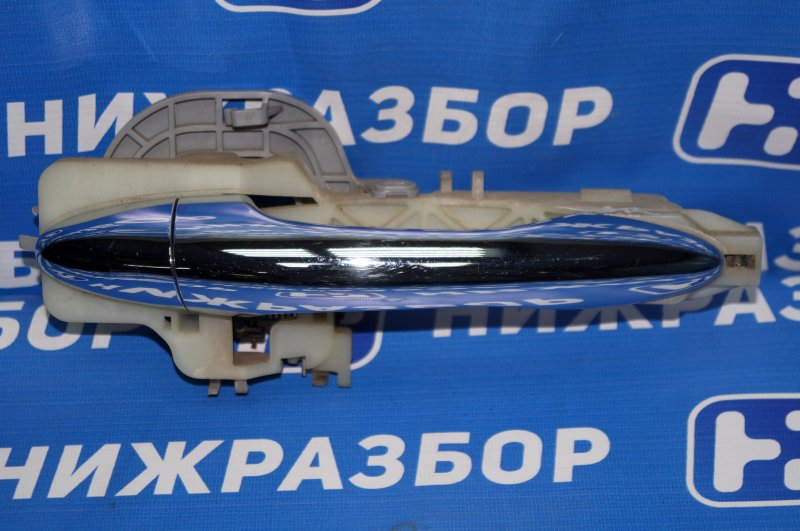 Ручка двери наружная Kia Sportage 3 2.0 (G4KD) 2013 задняя правая (б/у)
