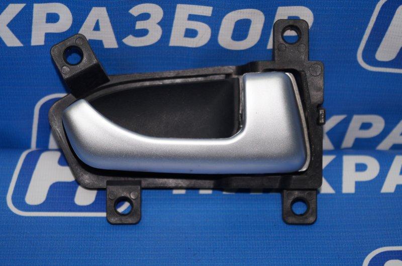 Ручка двери внутренняя Kia Sportage 3 2.0 (G4KD) 2013 задняя правая (б/у)