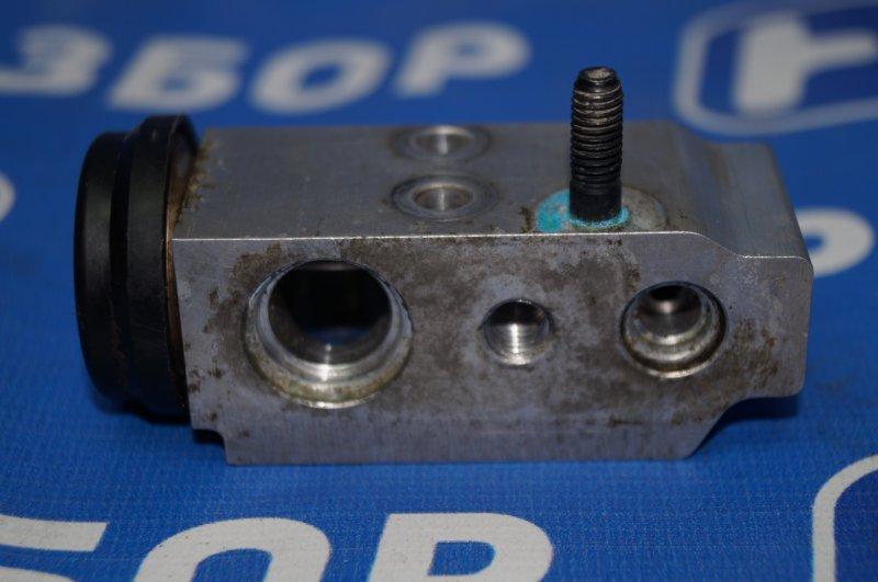 Клапан кондиционера Kia Sportage 3 2.0 (G4KD) 2013 (б/у)