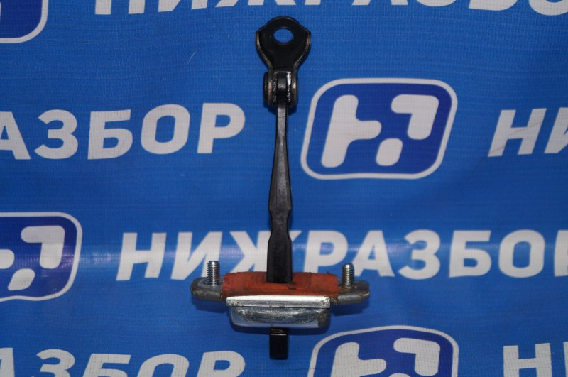 Ограничитель двери Kia Sportage 3 2.0 (G4KD) 2013 задний левый (б/у)