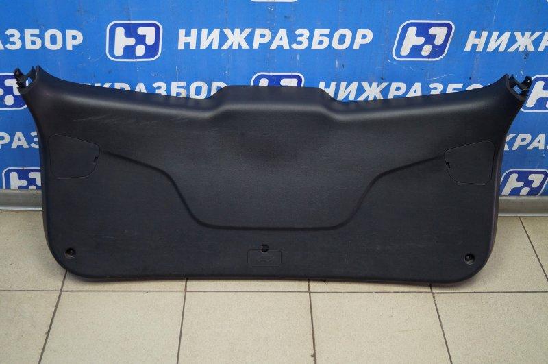 Обшивка двери багажника Kia Sportage 3 2.0 (G4KD) 2013 (б/у)