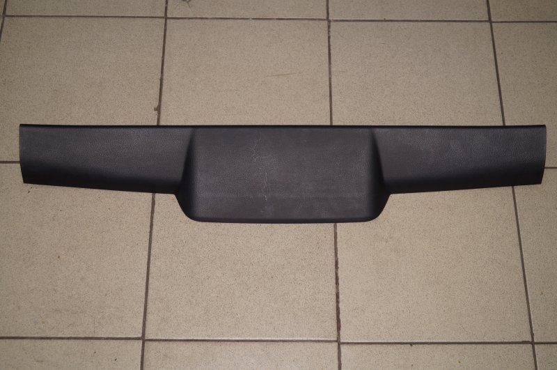 Обшивка двери багажника Kia Sportage 3 2.0 (G4KD) 2013 верхняя (б/у)