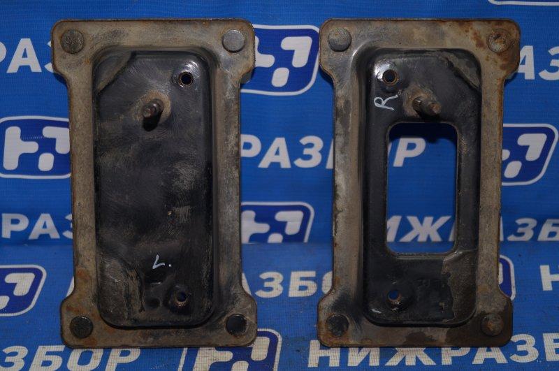 Кронштейн усилителя бампера Kia Sportage 3 2.0 (G4KD) 2013 задний (б/у)