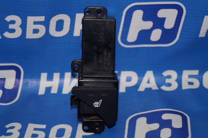 Кнопка обогрева сидений Kia Sportage 3 2.0 (G4KD) 2013 передняя правая (б/у)