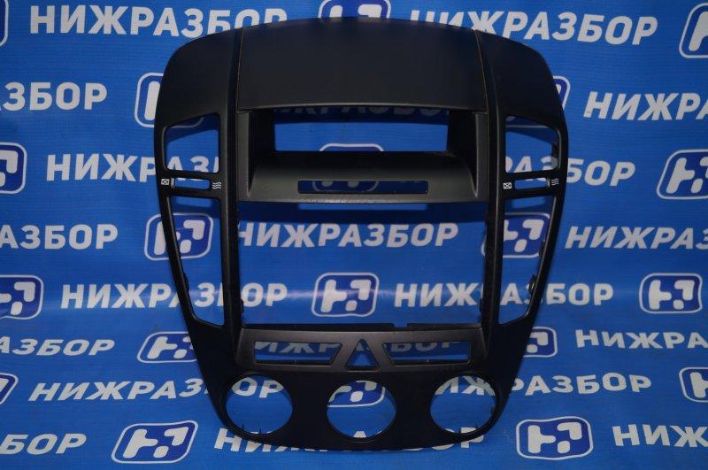 Рамка магнитолы Kia Ceed ED 1.6 (G4FC) 2008 (б/у)