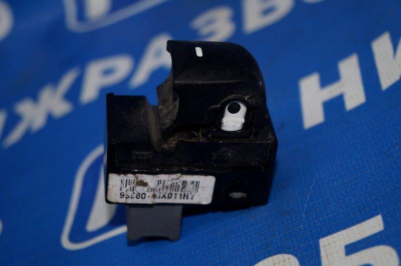 Кнопка стеклоподъемника Hyundai Elantra MD 2011 задняя левая (б/у)