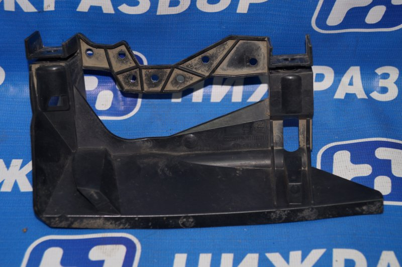 Кронштейн крепления фары Bmw 4-Серия F32/F82 2012> передний правый (б/у)