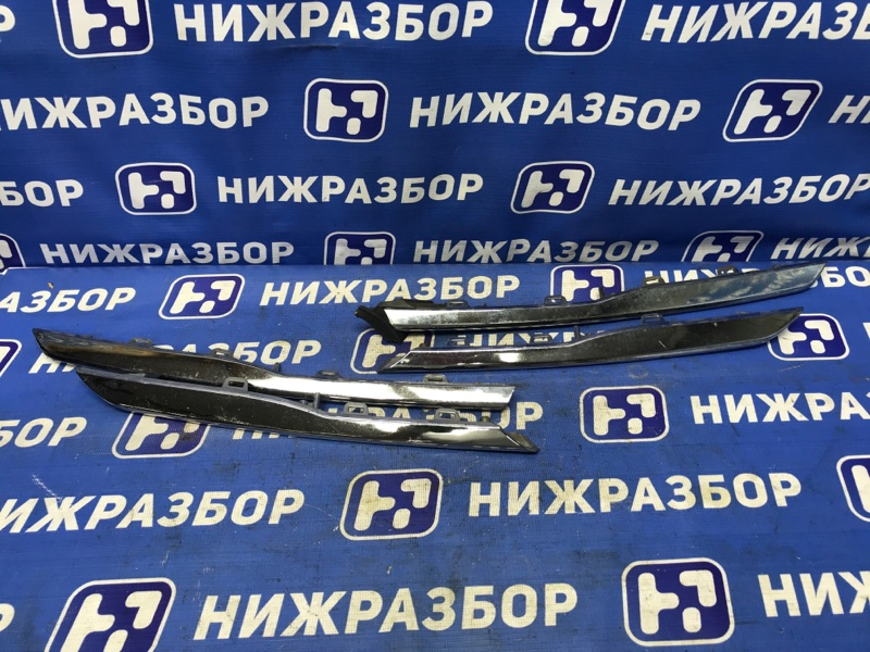 Накладка на решетку радиатора Hyundai Solaris 1 передняя (б/у)