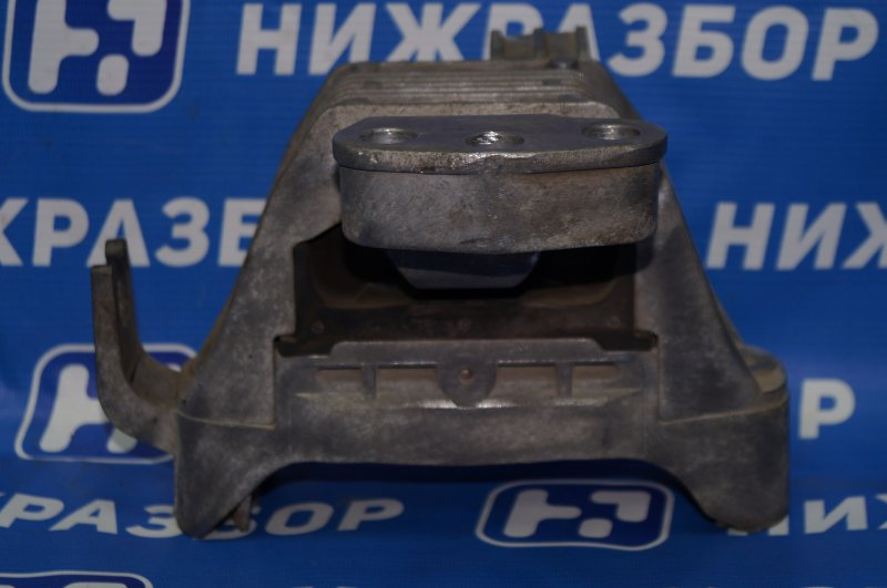 Опора двигателя Chevrolet Cruze J300 1.6 (F16D3) ` 2012 правая (б/у)