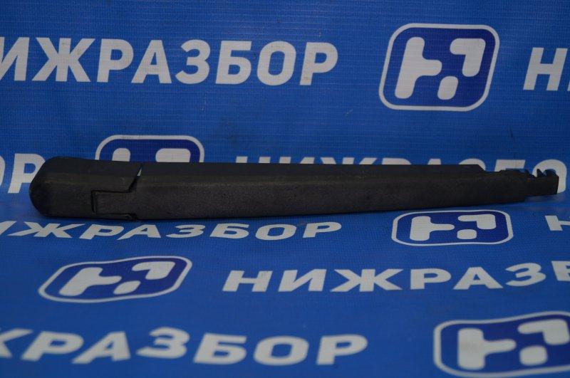 Поводок стеклоочистителя Chevrolet Cruze J300 1.6 (F16D3) ` 2012 задний (б/у)