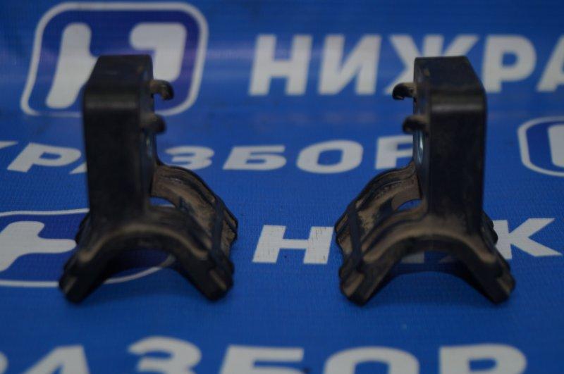 Кронштейн радиатора Chevrolet Cruze J300 1.6 (F16D3) ` 2012 верхний (б/у)