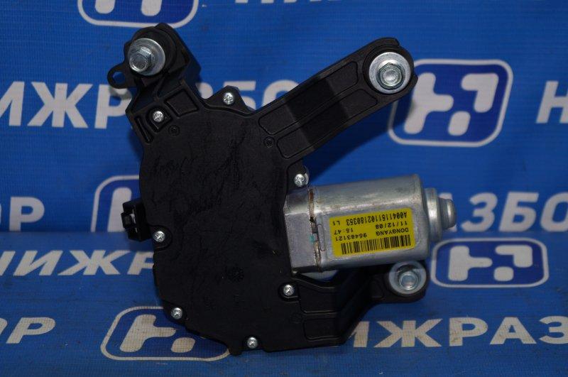 Моторчик стеклоочистителя Chevrolet Cruze J300 1.6 (F16D3) ` 2012 задний (б/у)