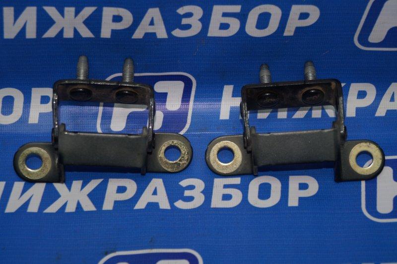 Петля багажника Chevrolet Cruze J300 1.6 (F16D3) ` 2012 (б/у)