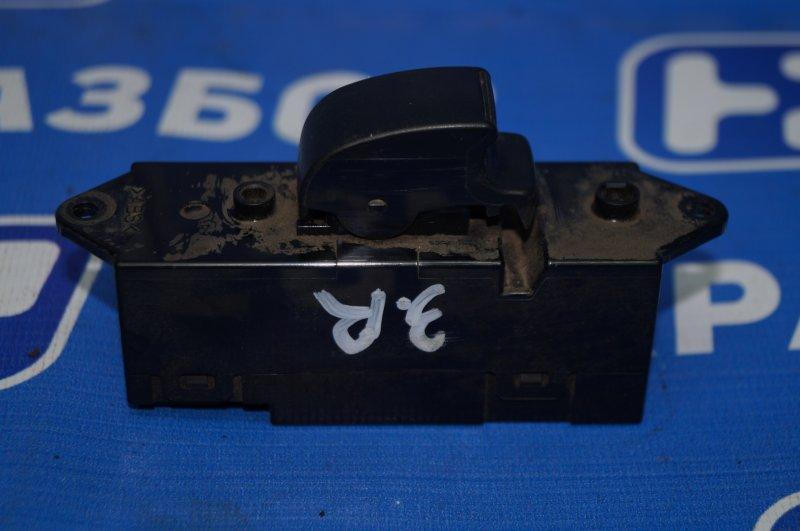 Кнопка стеклоподъемника Mitsubishi Lancer 9 CS/CLASSIC 1.3 (4G13) 2006 задняя правая (б/у)