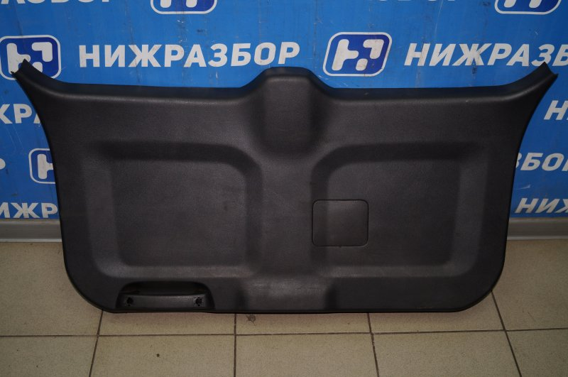 Обшивка двери багажника Chevrolet Captiva C100 3.2 10HMC 2008 (б/у)