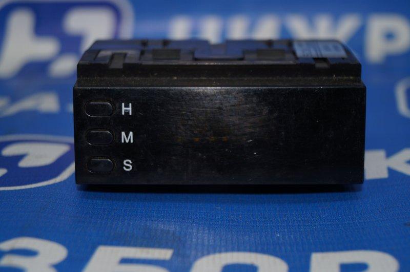 Часы Chevrolet Captiva C100 3.2 10HMC 2008 (б/у)