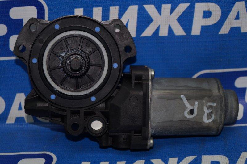 Моторчик стеклоподъемника Hyundai Elantra HD 1.6 (G4FC) 2009 задний правый (б/у)