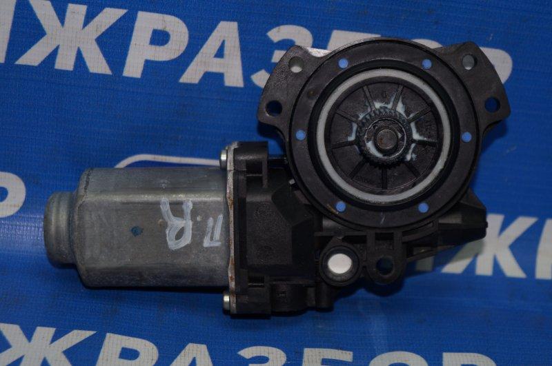 Моторчик стеклоподъемника Hyundai Elantra HD 1.6 (G4FC) 2009 передний правый (б/у)