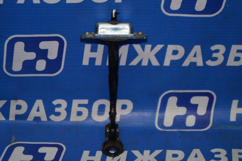 Ограничитель двери Hyundai Elantra HD 1.6 (G4FC) 2009 передний правый (б/у)