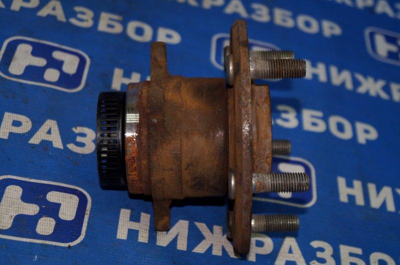 Ступица Hyundai Elantra HD 1.6 (G4FC) 2009 задняя правая (б/у)