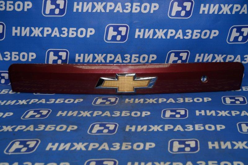 Накладка двери багажника Chevrolet Captiva C100 3.2 10HMC 2008 (б/у)