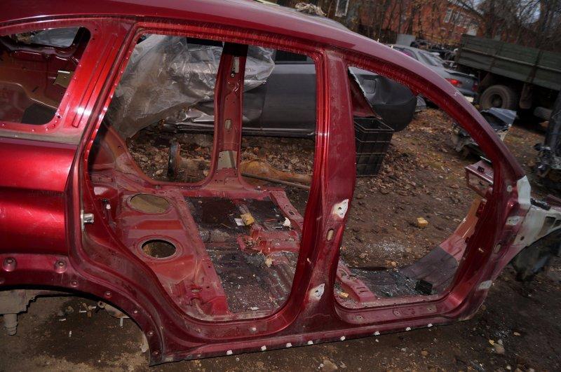 Порог со стойкой Chevrolet Captiva C100 3.2 10HMC 2008 правый (б/у)