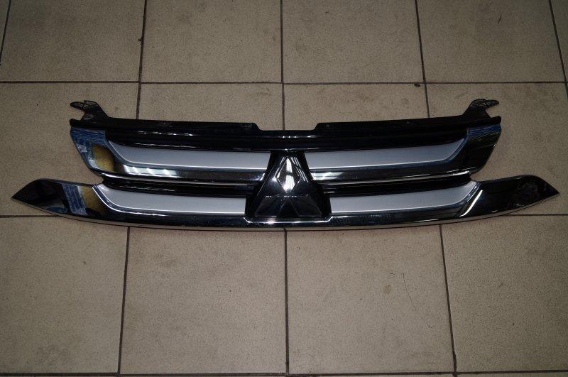 Решетка радиатора Mitsubishi Outlander 3 GF 2012> (б/у)