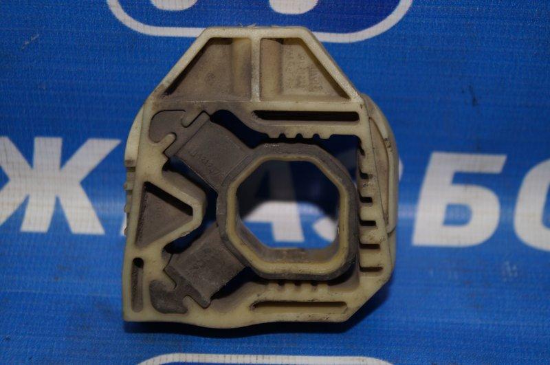 Кронштейн радиатора Volkswagen Polo Sedan 1.6 2011> верхний (б/у)