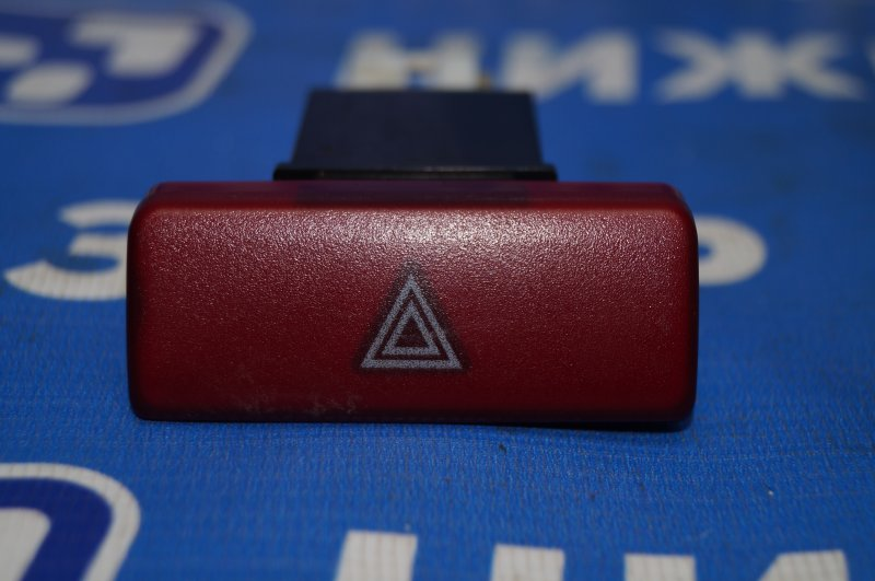 Кнопка аварийной сигнализации Mitsubishi Lancer 9 CS/CLASSIC 2.0 (4G63) (б/у)