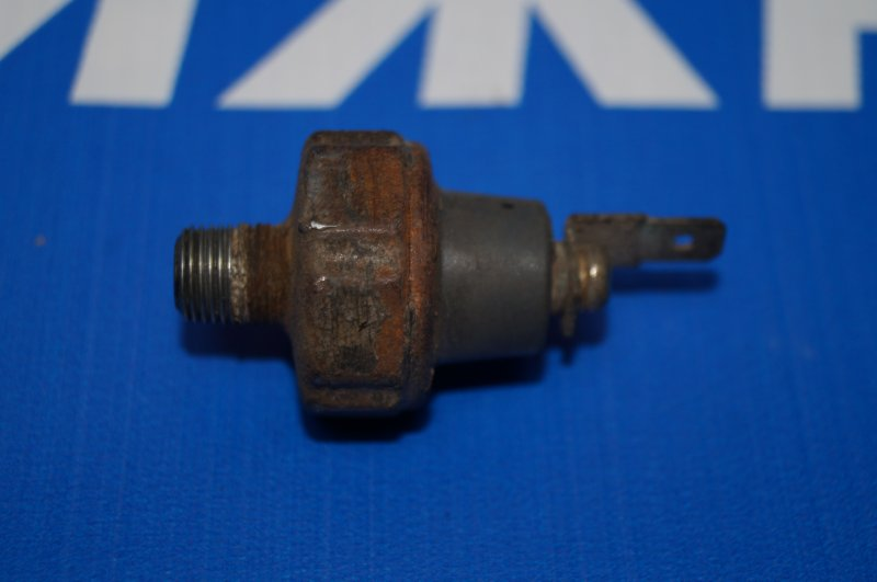 Датчик давления масла Mitsubishi Lancer 9 CS/CLASSIC 2.0 (4G63) (б/у)