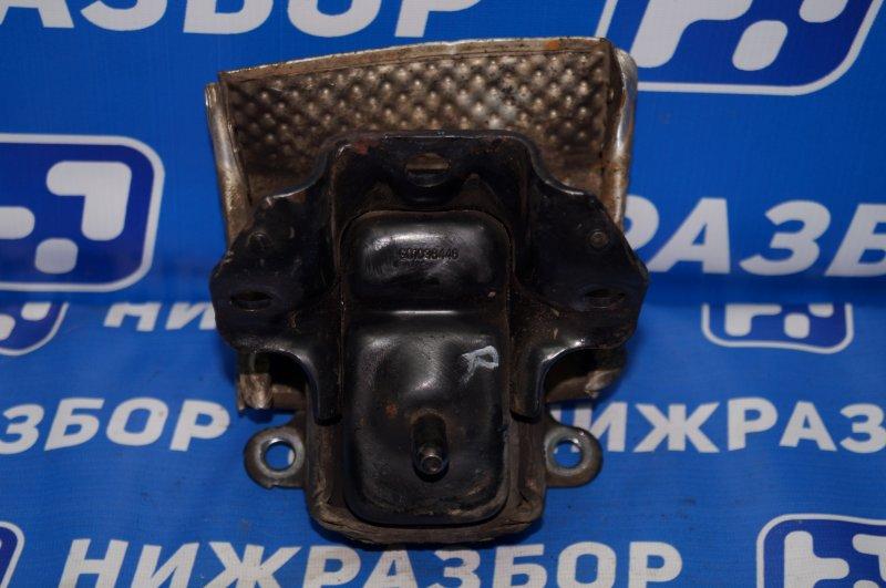 Опора двигателя Chevrolet Tahoe 900 5.3 LMG 2013 правая (б/у)