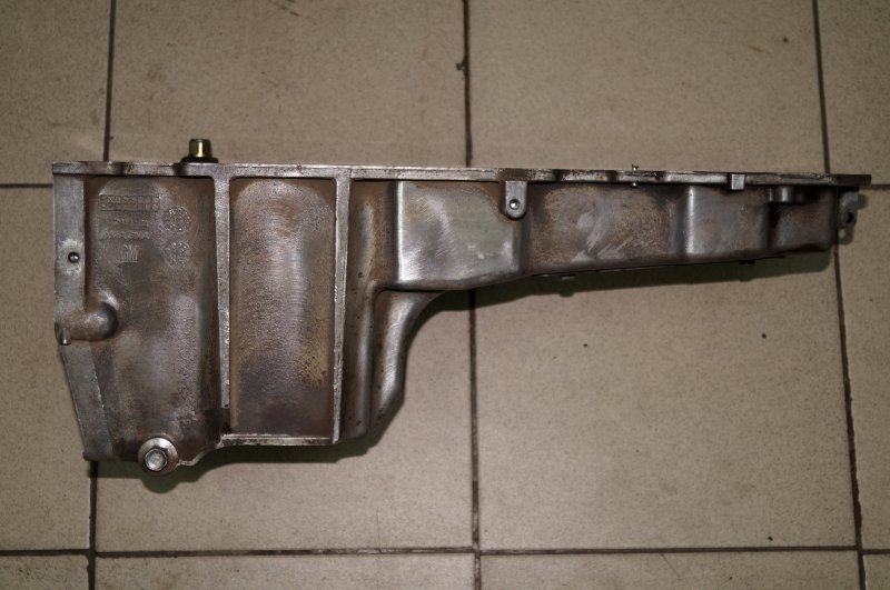 Поддон масляный двигателя Chevrolet Tahoe 900 5.3 LMG 2013 (б/у)