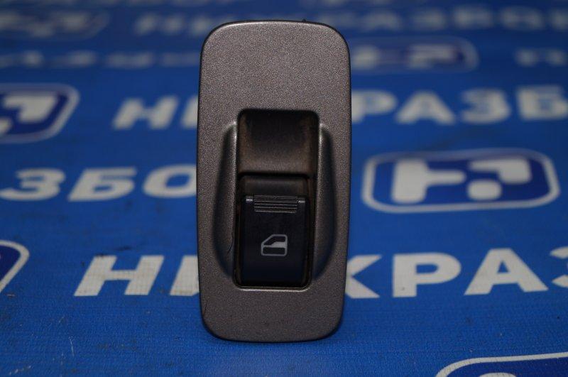 Кнопка стеклоподъемника Chery Tiggo T11 2.4 4G64S4M 2007 задняя правая (б/у)