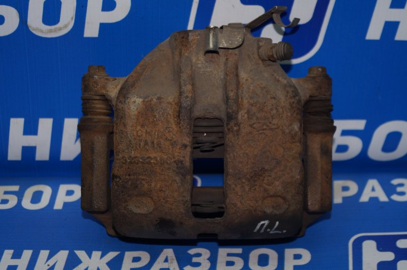 Суппорт Chery Tiggo T11 2.4 4G64S4M 2007 передний левый (б/у)