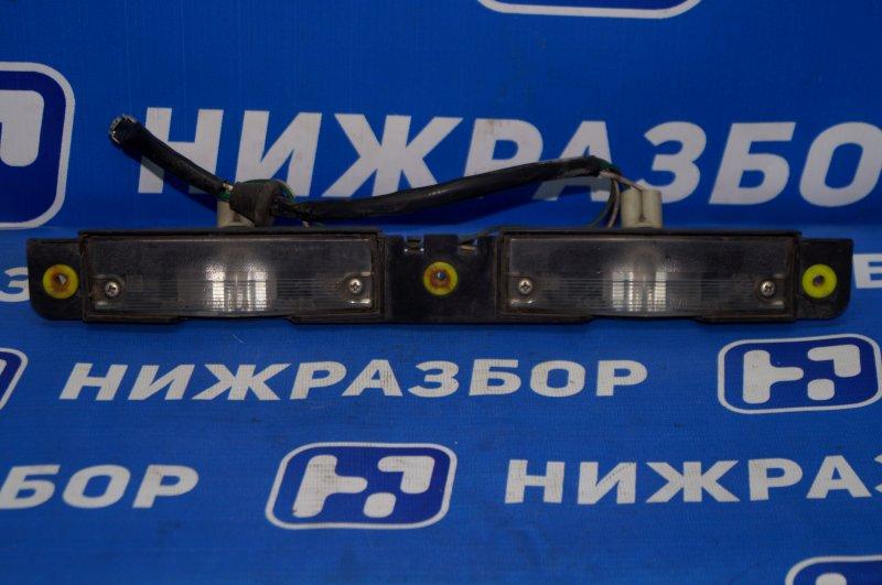 Фонарь подсветки номера Toyota Soarer Z30 1996 задний (б/у)