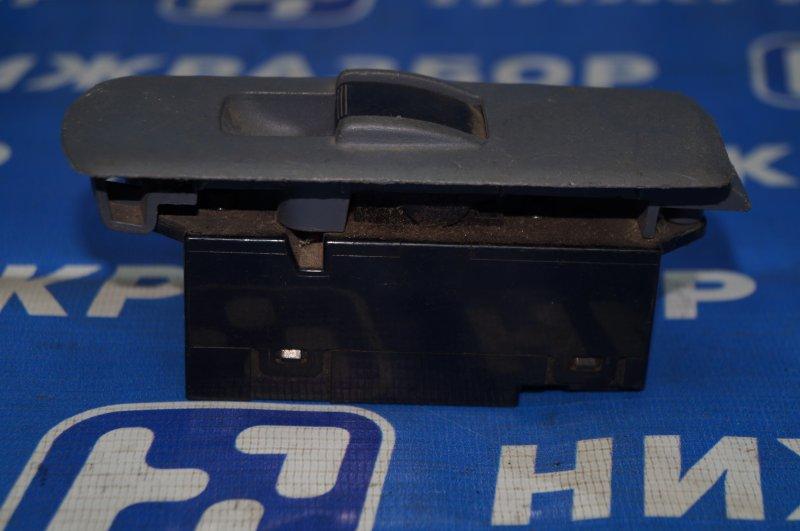 Кнопка стеклоподъемника Mitsubishi Colt Z3 2004 задняя правая (б/у)