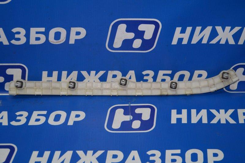 Направляющая бампера Mitsubishi Pajero Sport 2 KH 2.5 TDI 2012 задняя правая (б/у)