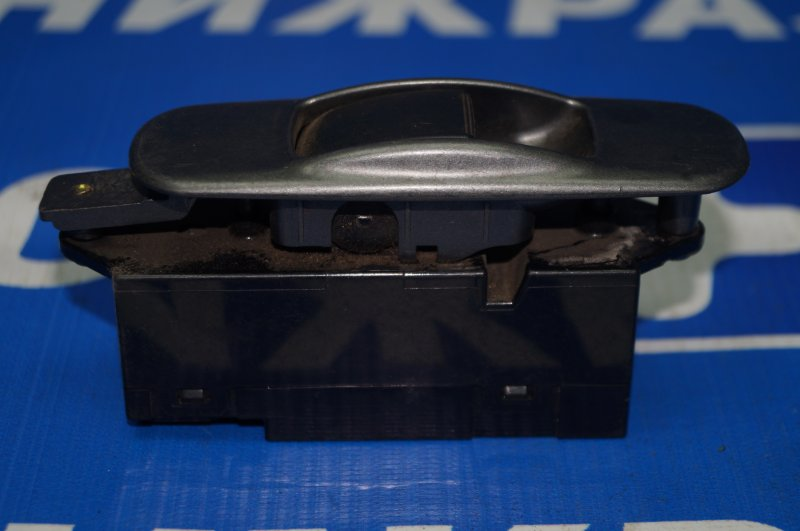 Кнопка стеклоподъемника Mitsubishi Lancer 9 CS/CLASSIC 2003 задняя левая (б/у)