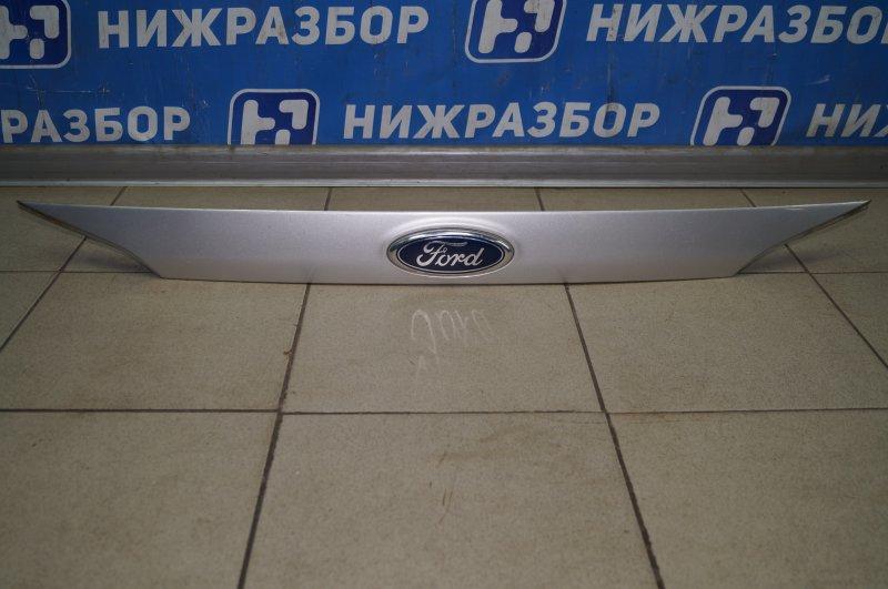 Накладка крышки багажника Ford Focus 3 2011 (б/у)