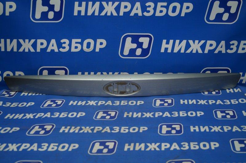 Накладка крышки багажника Ford Mondeo 3 2000 (б/у)