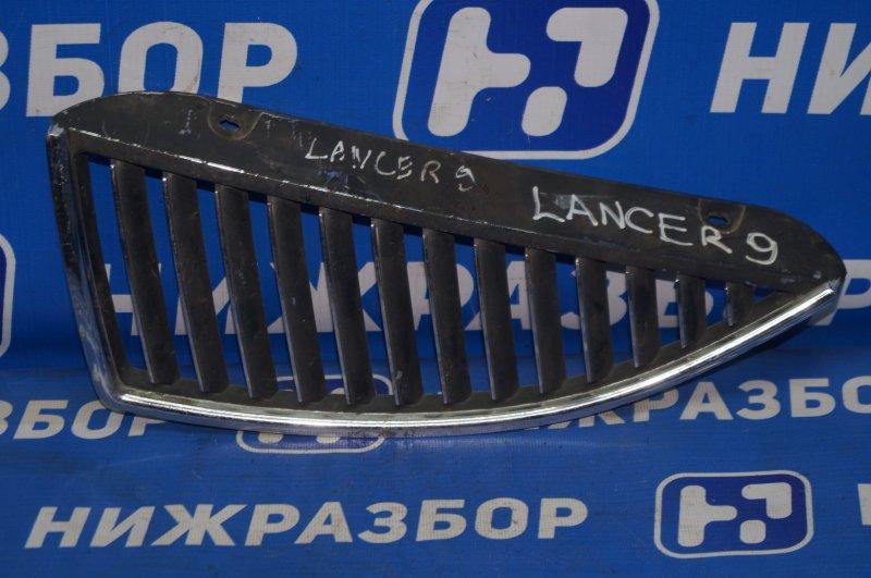 Решетка радиатора Mitsubishi Lancer 9 CS/CLASSIC 2003 левая (б/у)