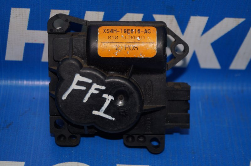 Моторчик заслонки печки Ford Focus 1 1998 (б/у)
