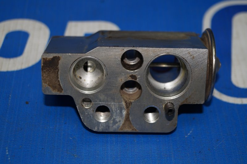 Клапан кондиционера Audi A3 8P 1.4 (CAX) 2008 (б/у)