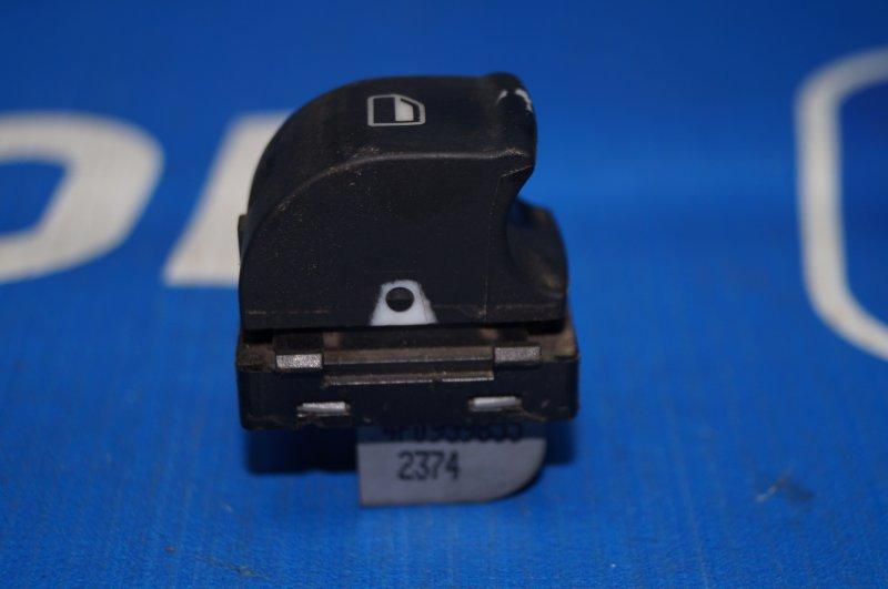 Кнопка стеклоподъемника Audi A3 8P 1.4 (CAX) 2008 задняя правая (б/у)