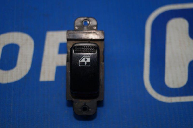 Кнопка стеклоподъемника Kia Rio 1 DC 1.5 A5D 2003 задняя правая (б/у)