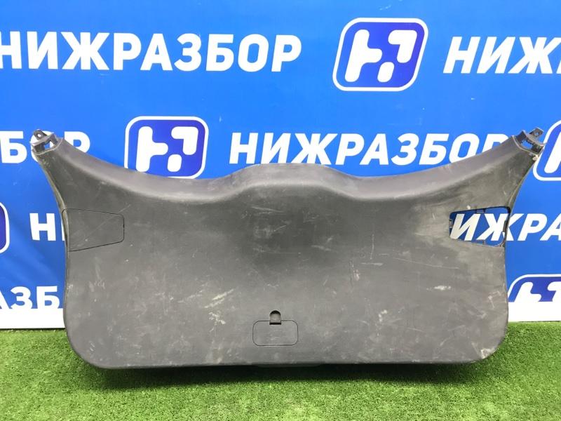 Обшивка крышки багажника Geely Atlas задняя (б/у)