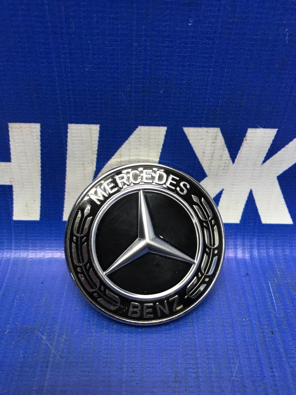 Значок (эмблема) Mercedes C-Class W205 передний (б/у)