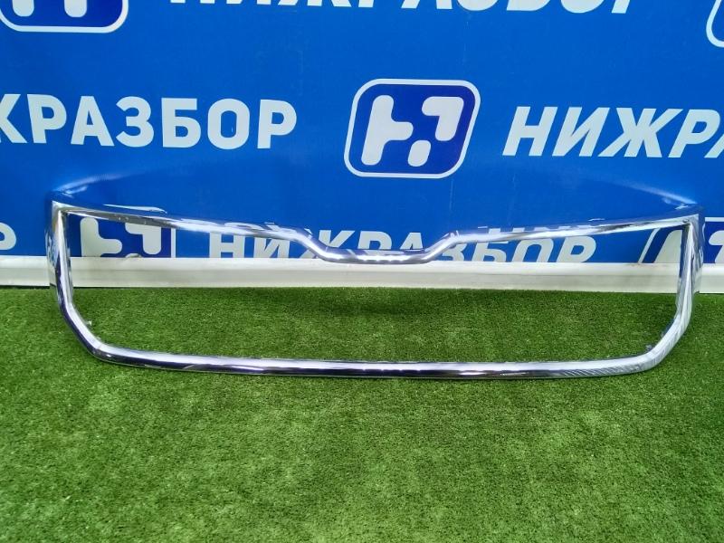 Накладка на решетку радиатора Skoda Kodiaq передняя (б/у)