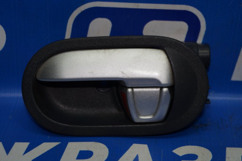 Ручка двери внутренняя Mitsubishi Colt Z3 2004 передняя левая (б/у)